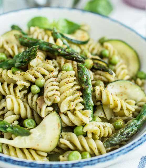 Garden green pesto pasta