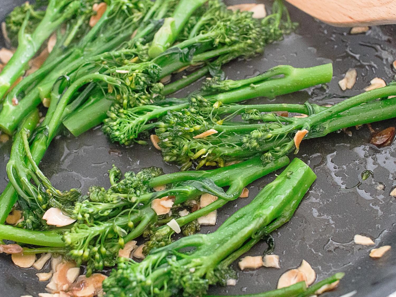 k33kitchen tenderstem broccoli with garlic almond 4