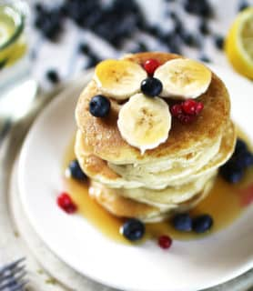 k33kitchen vegan banana blueberries pancake feature