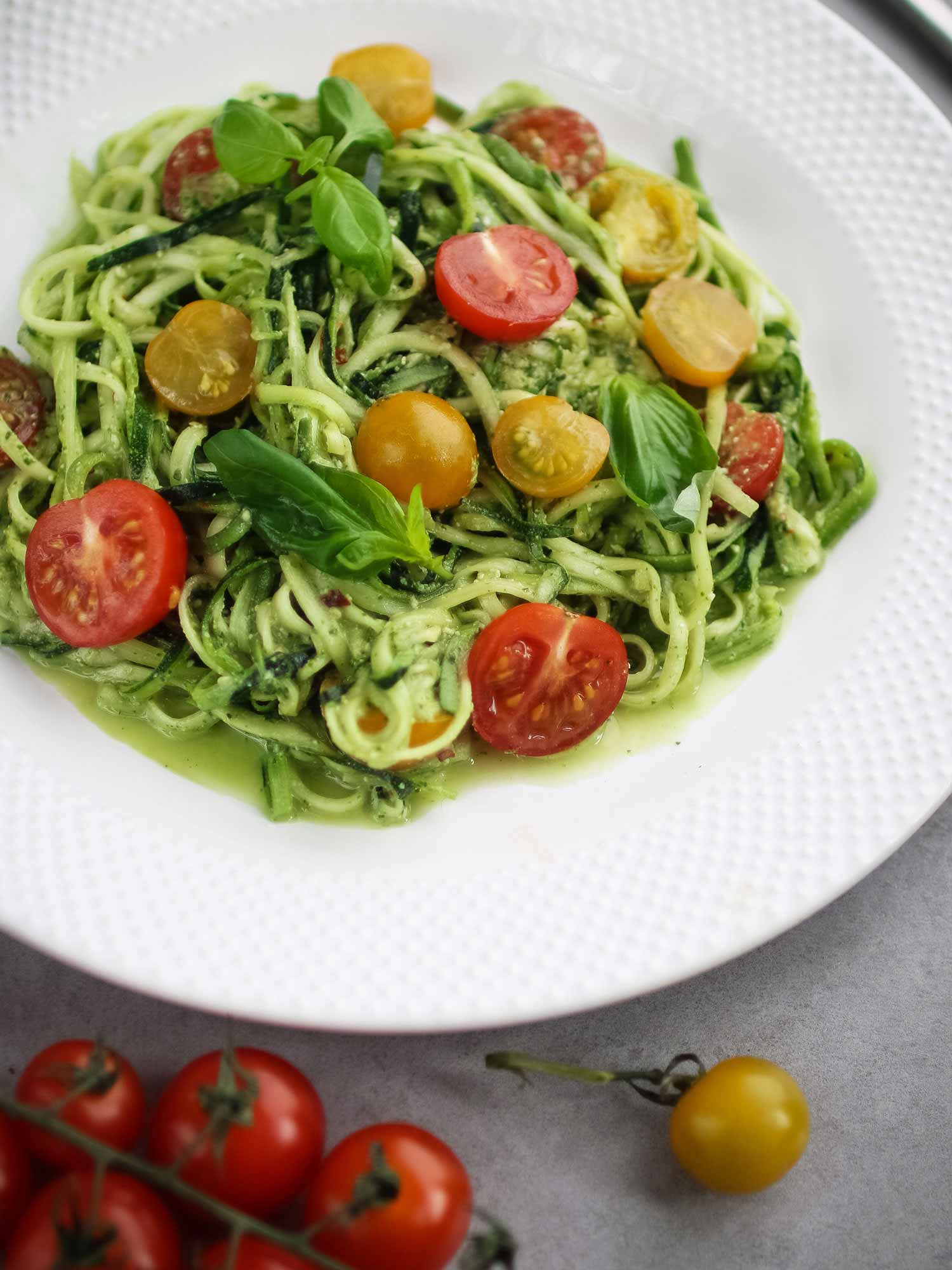 Courgette spaghetti with pesto