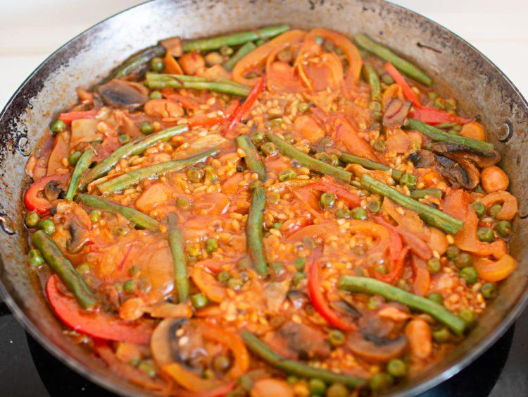 K33 Kitchen – vegan vegetable paella