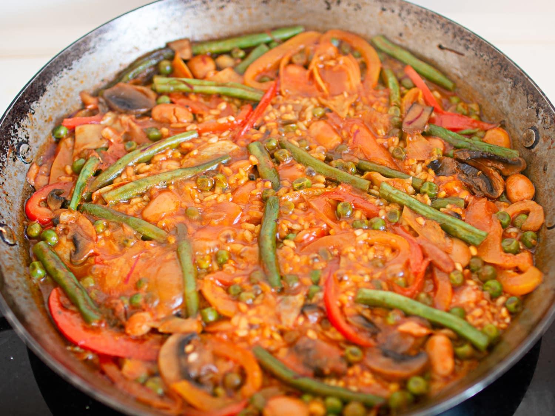 Spanish vegetable paella