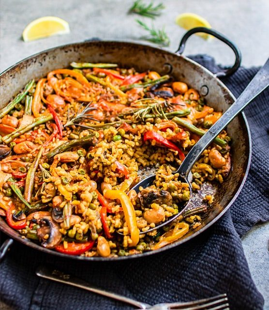 Spanish vegetable paella