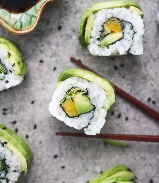 Avocado vegan sushi roll