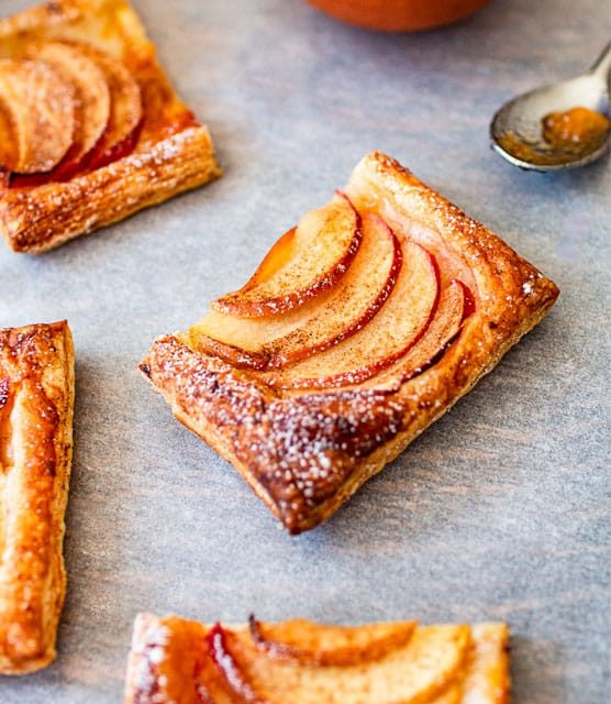 Cinnamon apple puff pastry