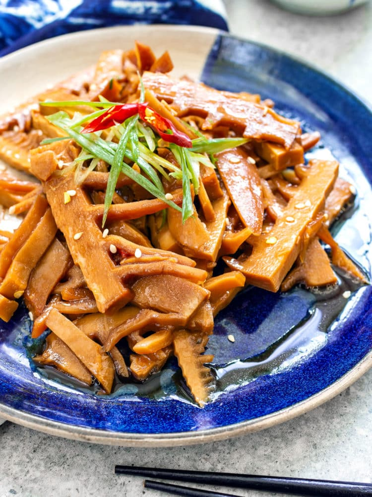 Braised bamboo shoot with soy sauce (menma)