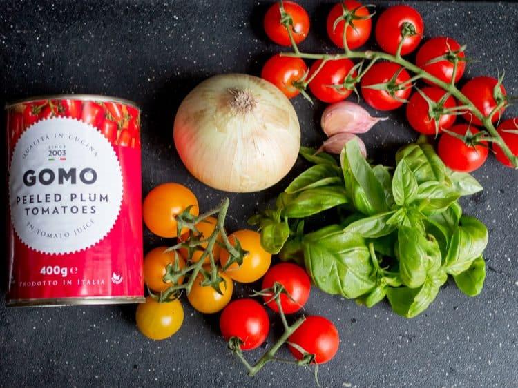 K33Kitchen classic tomato spaghetti basil