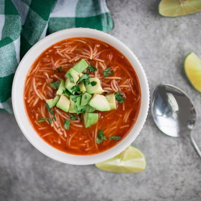 This soup is incredibly simple to make and only requires a few very basic ingredients – noodles, tomato, onion, garlic, soup, vegetable stock and salt; you can basically get all of these ingredients everywhere around the world in order to enjoy the taste of Mexico in a little bowl. . Sopa de fideo (Mexican noodle soup), you can also check out the full recipe on my website bit.ly/2HOISfw, serves 2, total time 20 mins . Vegan | Peanut-free | Tree-nut-free | No-refined-sugar . . . . . . . #soup #mexicansoup #tomatosoup #souptime #souprecipe #tomatosoup #noodlesoup #mexicanfood #mexicansoup #mexicanrecipes #thrivemags #feedfeedvegan #feedfeed #f52grams #foodgawker #vegetarian #vegan #veganfoodshare #veganfood #veganrecipes #veganfoodie #veganfoodlovers #govegan #whatveganseat #veganinspiration #plantbased #plantbasedrecipes #instafood #instavegan #k33_kitchen